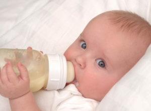 Нужно ли сцеживать грудное молоко