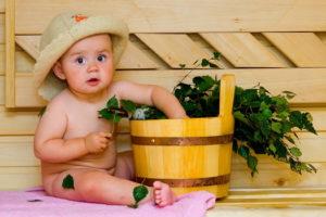 Малыш в бане